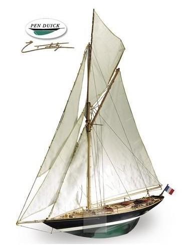 """Barco de Artesanía Latina """"Pen Duick"""""""